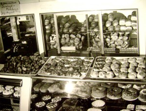 BakeryCounter1940s
